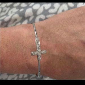 Jewelry - Cross ✝️ Bangle